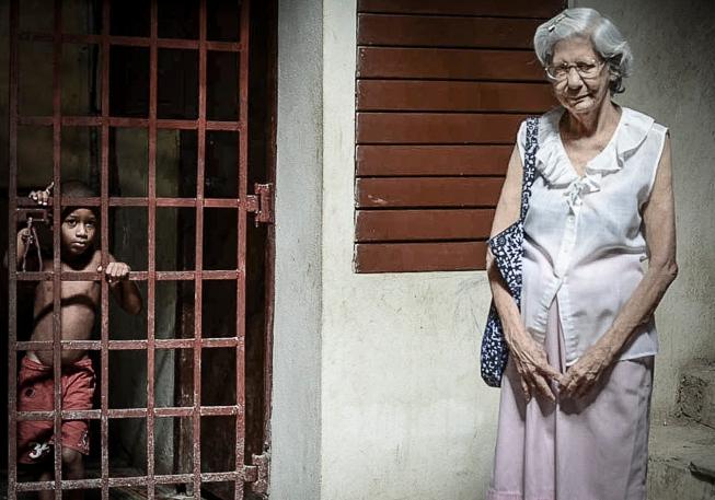Opposites in Many Ways - Cuba 2013